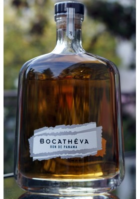 Bocathéva Super Premium Rum z Panamy 6YO 45%, 0,7L